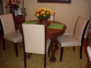 Oak Round Table & Chairs
