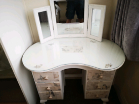 Dressing table for a teenager or small adult
