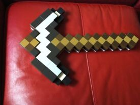 Minecraft 2-in-1 Transforming Sword and Pickaxe
