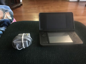 Dsi XL for sale with DsTwo card.