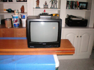 """13"""" colour tv with remote."""
