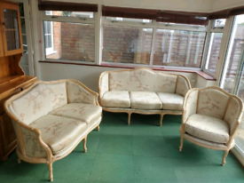 Ornate 3 piece suite . Free to collector
