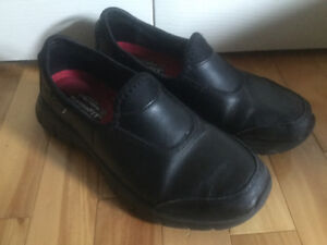 SKECHERS Work Shoe reg. 99$+/ non skid