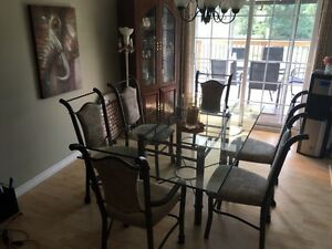 Glass  Dining Room Table & 6 Chairs