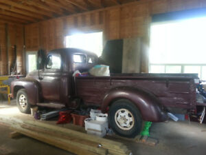 ANTIQUE TRUCK 1952 FOR SALE IN TRACADIE N-B