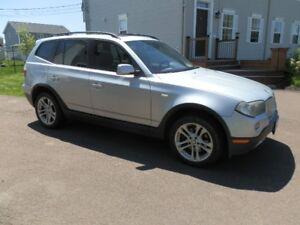 BMW X3 - 3.0si - Panoramic Roof - Loaded - AWD