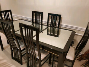 Mirror Finish Black Dining Table Set with Matching Hut