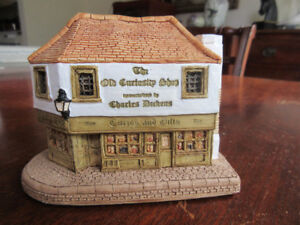 Lilliput Lane Collection - The Old Curiosity Shop