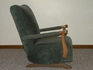 Chairs (Upholstered) Windsor Region Ontario image 2