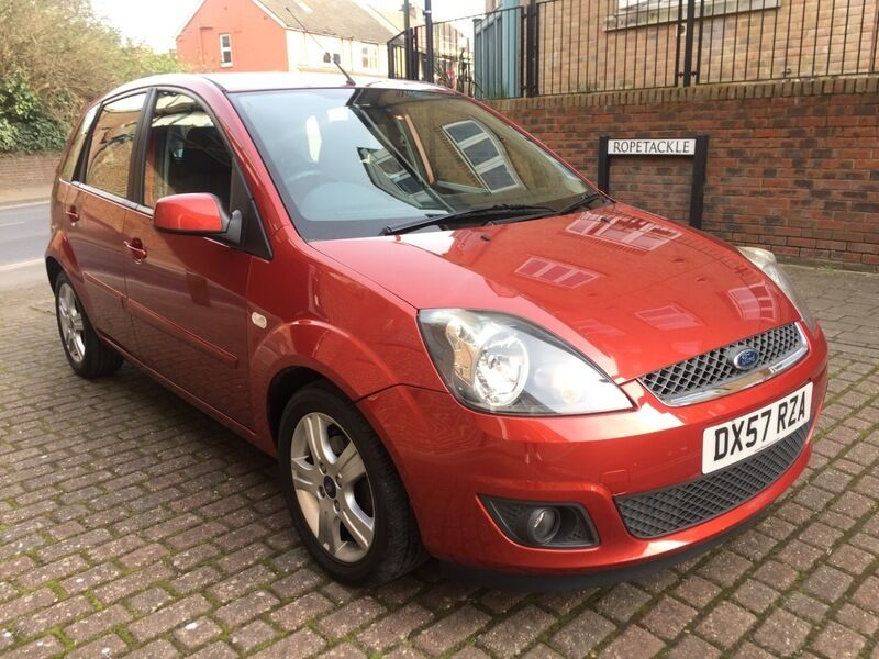 ford fiesta 1 4 tdci zetec climate red 2008 in shoreham by sea west sussex gumtree. Black Bedroom Furniture Sets. Home Design Ideas