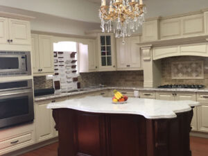 Maple solid wood Antique White kitchen $ALE now!!