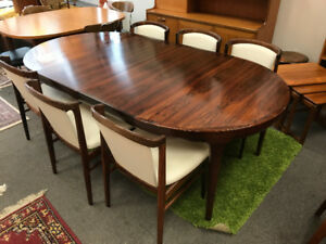 Mid-century modern Rosewood Round Table 6 chairs not teak