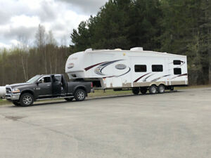 MONTANA MOUNTAINEER 2990, 35.5 FT FIFTH WHEEL WITH 4/5 BUNKS