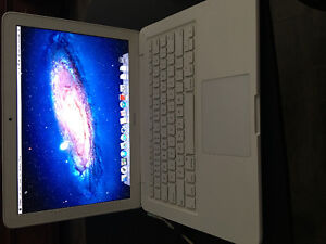 2010 White MacBook- Excellent Condition! NEED GONE THIS WEEKEND!