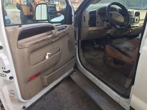 PARTING OUT!! 2005 F350 KingRanch 6.0L 4x4 Windsor Region Ontario image 6