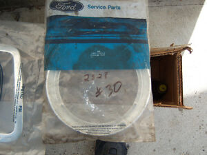 80/90'S FORD LOUISVILLE HEAD LIGHT BEZEL E8HZ-13064-D NEW