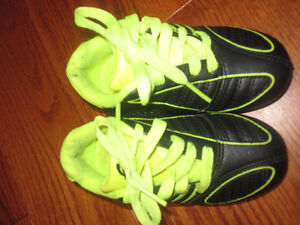 Youth Soccer Cleats size 7