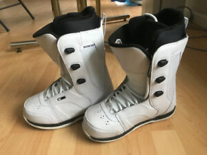 Woman's K2 Intuition Snowboard Boots - Size 7