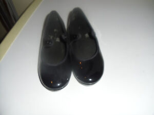 Tap shoes size 9 1/2 toddler