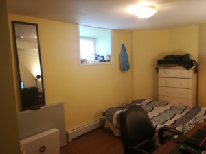 South End bedroom for rent ( 3 minutes walk to SMU)