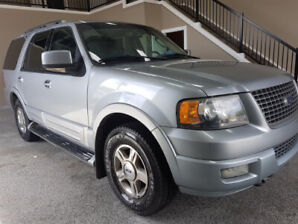 2006 Ford Expedition Limited  8 Passengers AWD