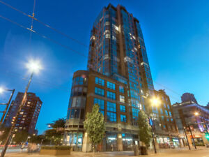 Stunning views every room w/this updated Yaletown condo