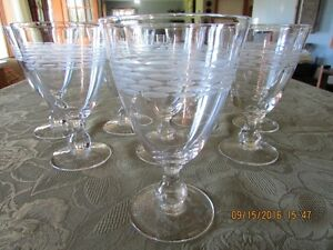 *STUNNING* Goblet-Style – Set of 16  Wine Glasses *Barely Used*
