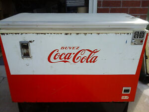"Original 60""s Coca Cola bottle vending machine/ refridgerator"