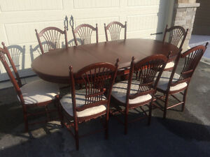 High Quality Dining Table & Chairs: Must go, make an offer !