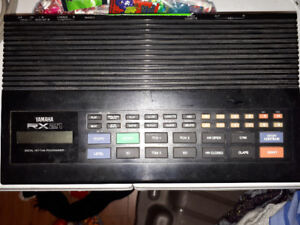 Vintage Yamaha drum machine!