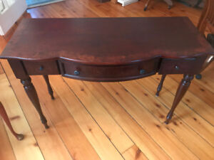 Writing desk: new, in antique style