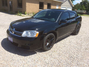 2013 Dodge Avenger  ONLY 34,000 KMS!