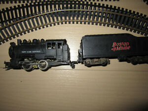 Vintage HO train , tracks and parts / electric train