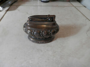 VINTAGE RONSON CROWN TABLE LIGHTER