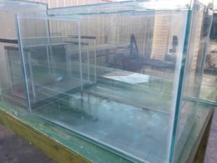 AQUARIUM FISH TANK made with glass