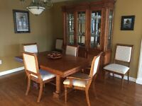 Elegant and timeless Solid Oak dining set
