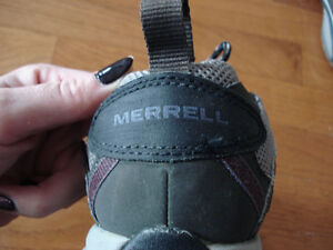 Merrell sporty shoes London Ontario image 5