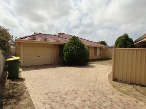 4x2 located close to Fiona Stanley and Murdoch Uni Murdoch Melville Area Preview