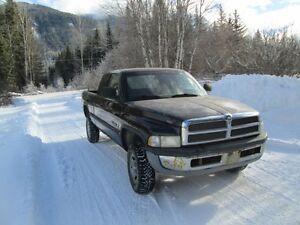 1998 Dodge1500 4x4 ex cab Golden BC $2800.00