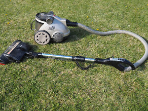 Hoover Windtunnel Electronic Bagless Canister Vacuum