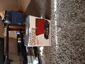 *BRAND NEW* PORTABLE crosley SUITCASE style turntable