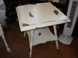 Antique White Distressed Parlour Table