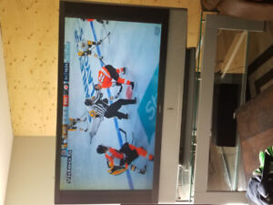 Excellent Condition 60 inch Sony LCD TV