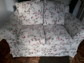 Lovely ivory floral cottage style 2 seater sofa