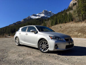 EXCELLENT CONDITION 2013 LEXUS CT200h