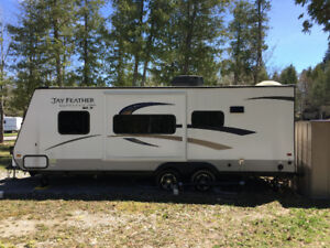 2015 Jayco Featherlite 22ft camping trailer for sale