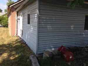 Brick bungalow Windsor Region Ontario image 4