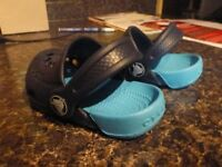 CROCS TODDLER SIZE 4 TWO TONE BLUE / LIGHT BLUE *NEW*