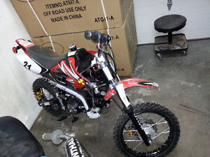 NEW DIRT BIKE 125cc 4stroke