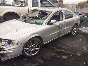 Parting out 2000-2009 Volvo S60 lots of parts available